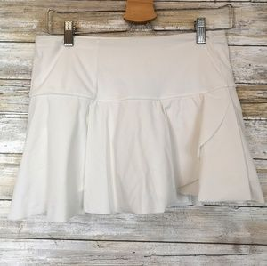 Lululemon white skirt ruffle 8 EUC